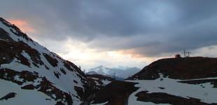 Grotte des Pingouins / Creux et sommet des Montons